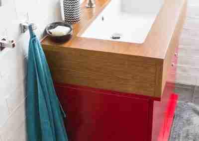 Mobile bagno laccato rosso e legno di rovere COD. PRV0003