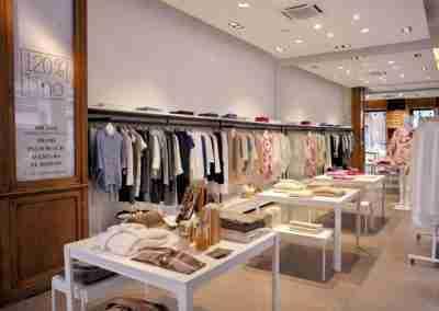 arredamento-negozio-abbigliamento-COD.BUS0011_2