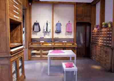 arredamento-negozio-abbigliamento-COD.BUS0011_3