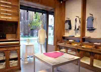 arredamento-negozio-abbigliamento-COD.BUS0011_6