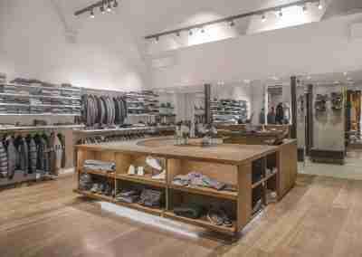 arredamento-negozio-abbigliamento-COD.BUS0018_2