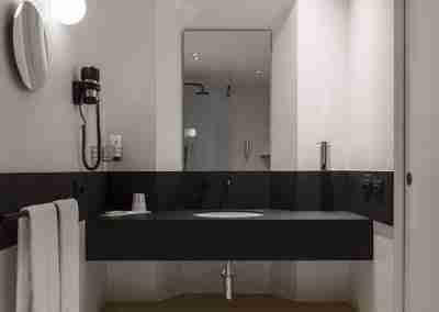 Arredamento per hotel: camera da letto hotel i Portici di Bologna