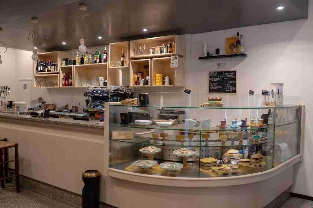 Arredamento Bar Bologna.Arredamento Su Misura Per Bar Atanor Falegnameria Di Bologna