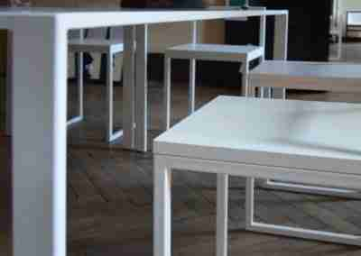 COD.BUS0024 Tavolo e sedie in ferro laccato bianco